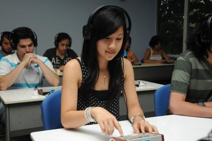 Evaluación permite seleccionar a los mejores traductores e intérpretes oficiales