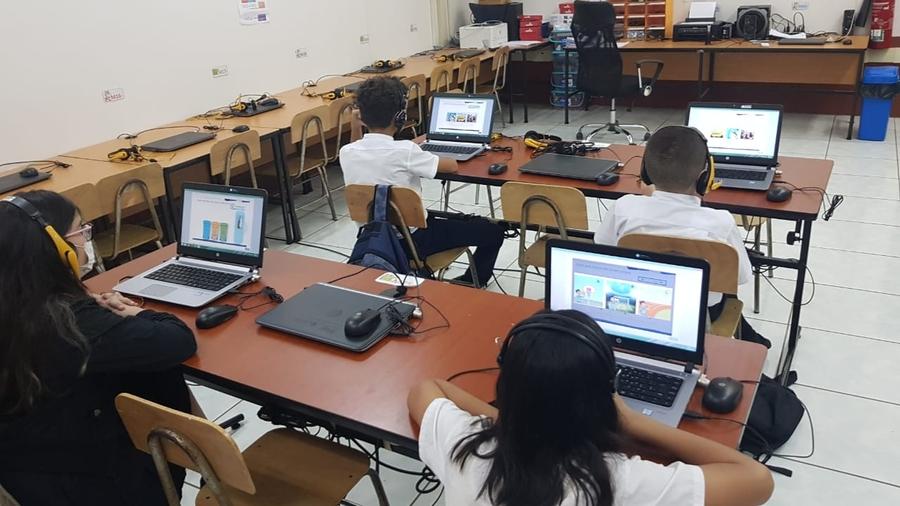 La UCR evalúa a cerca de 80 000 estudiantes de primaria y secundaria en su dominio del inglés